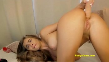 Asian girl gets her muffin deep plowing