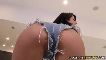 Big ass alexis texas and aj babes play with a huge strap on