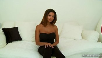 damn babes london and gianno goes scissor sex and fingering