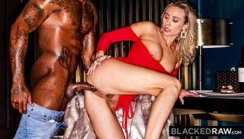 ts chelsea slams janelles tight ass in missionary position